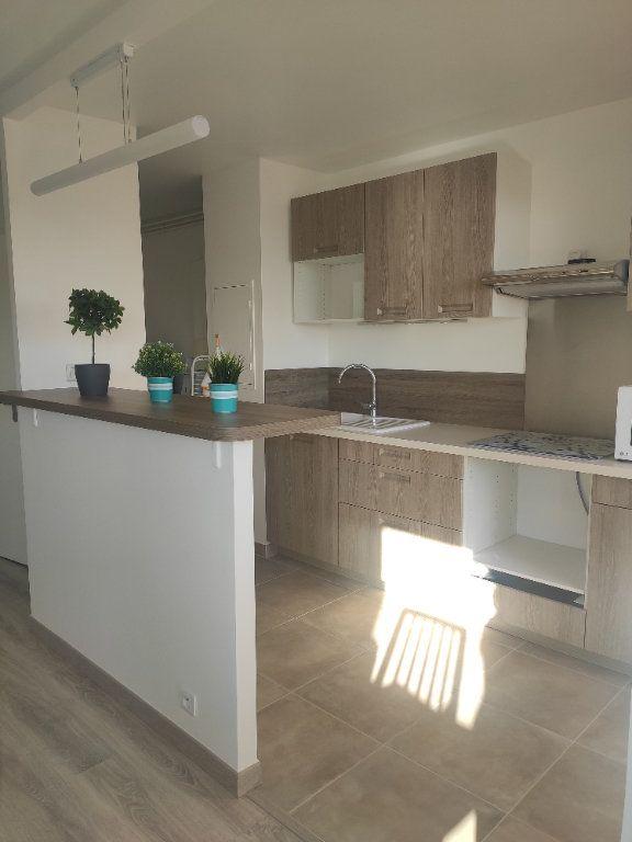 Appartement à louer 2 53.52m2 à Champs-sur-Marne vignette-5