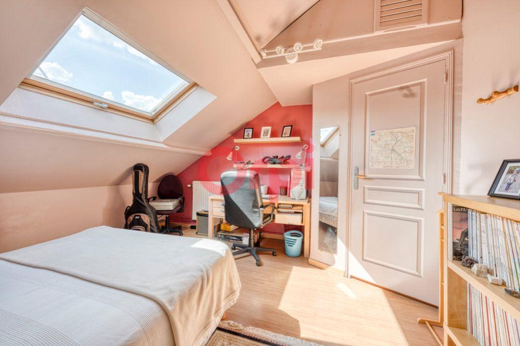 Maison à vendre 4 100m2 à Choisy-le-Roi vignette-6