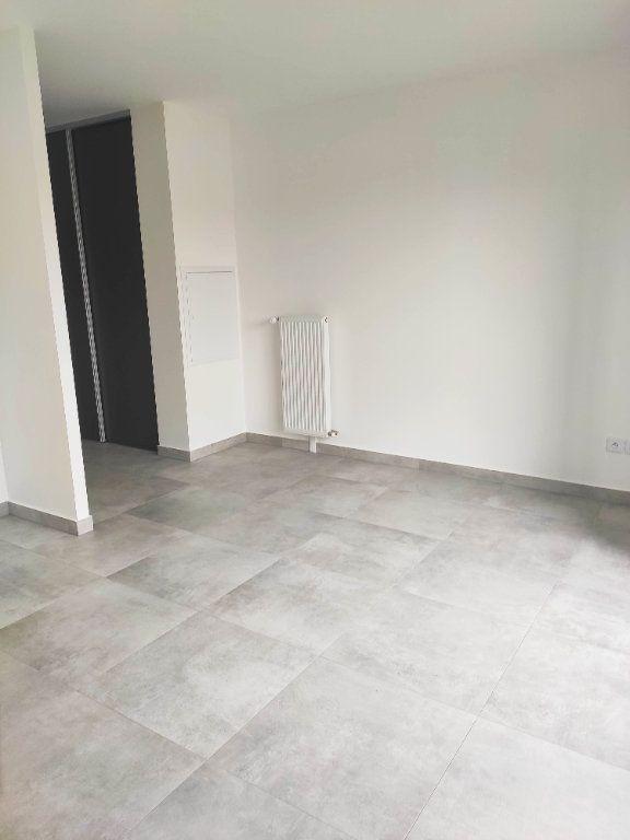Appartement à louer 1 25.04m2 à Gournay-sur-Marne vignette-2