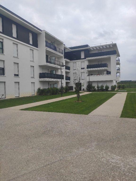 Appartement à louer 1 19.04m2 à Ferrières-en-Brie vignette-1