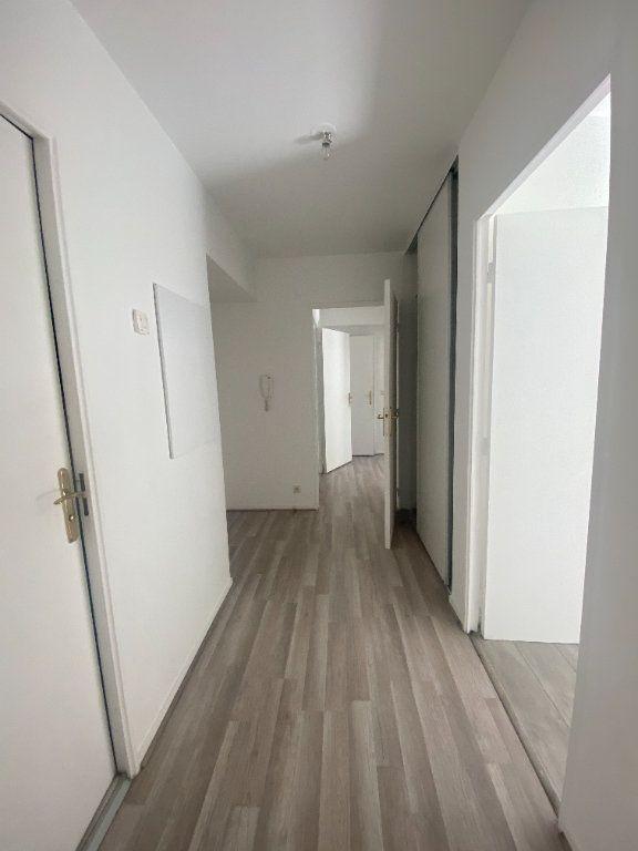 Appartement à louer 4 73.89m2 à Champs-sur-Marne vignette-4