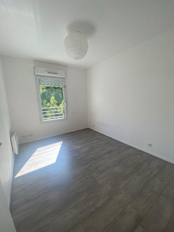 Appartement à louer 4 73.89m2 à Champs-sur-Marne vignette-5