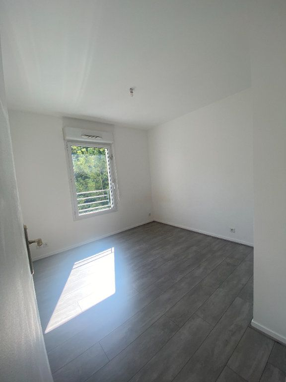 Appartement à louer 4 73.89m2 à Champs-sur-Marne vignette-6