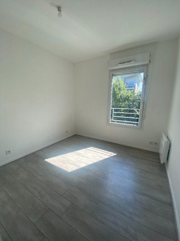 Appartement à louer 4 73.89m2 à Champs-sur-Marne vignette-7