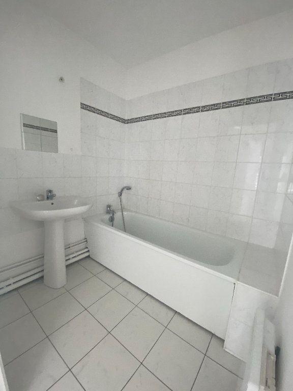 Appartement à louer 4 73.89m2 à Champs-sur-Marne vignette-8