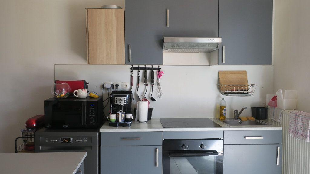 Appartement à louer 3 75m2 à Solaize vignette-5