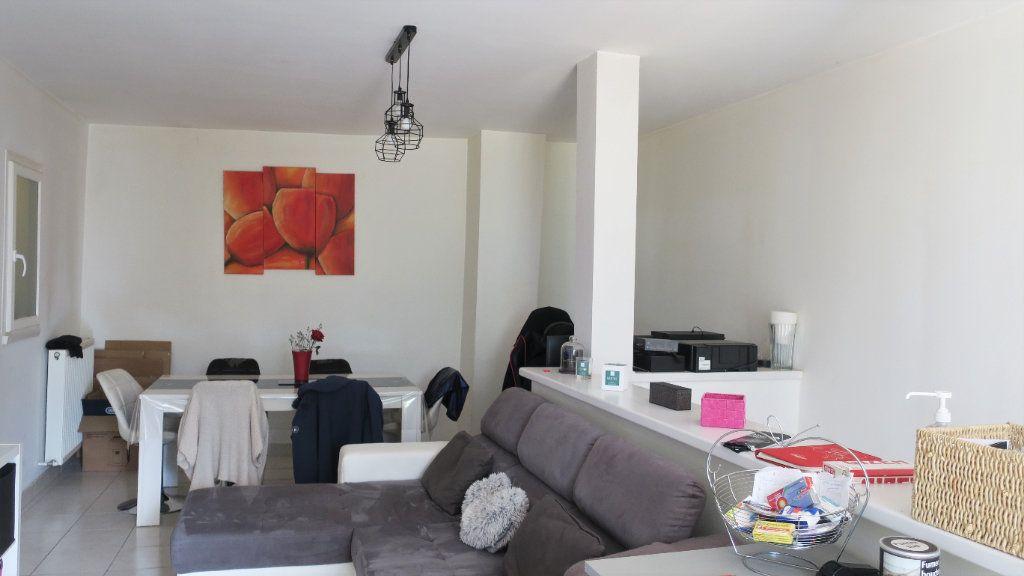 Appartement à louer 3 75m2 à Solaize vignette-6