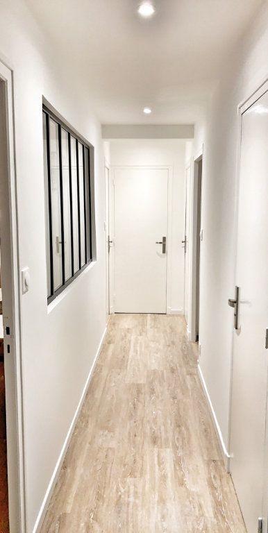 Appartement à louer 1 10.78m2 à Vénissieux vignette-9