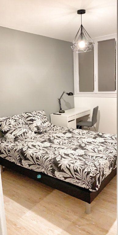 Appartement à louer 1 10.78m2 à Vénissieux vignette-10