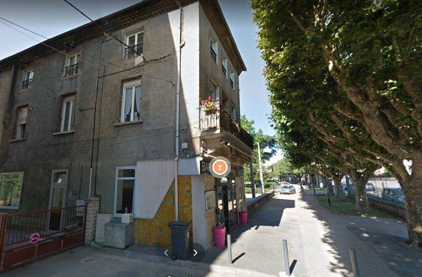 Immeuble à vendre 0 252.09m2 à Rive-de-Gier vignette-3