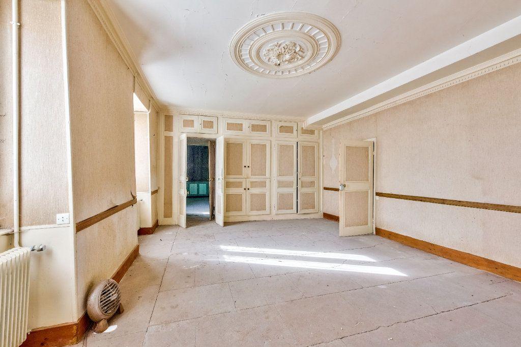 Maison à vendre 15 800m2 à Beaurepaire vignette-6
