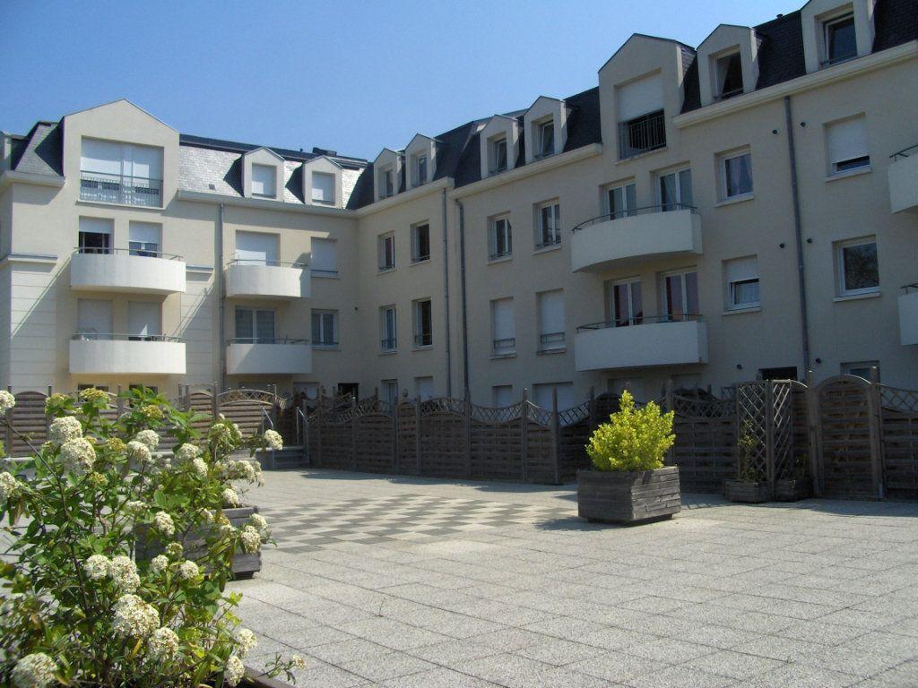 Appartement à vendre 3 75m2 à Villers-Cotterêts vignette-3