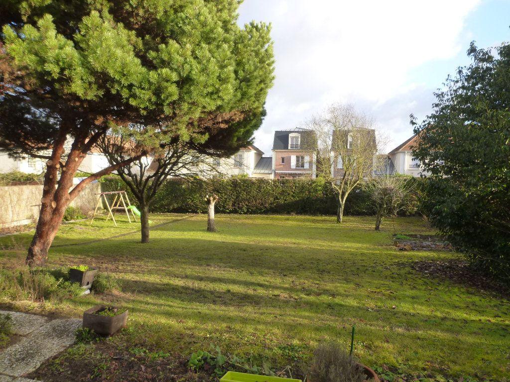 Maison à vendre 7 191m2 à Crépy-en-Valois vignette-4