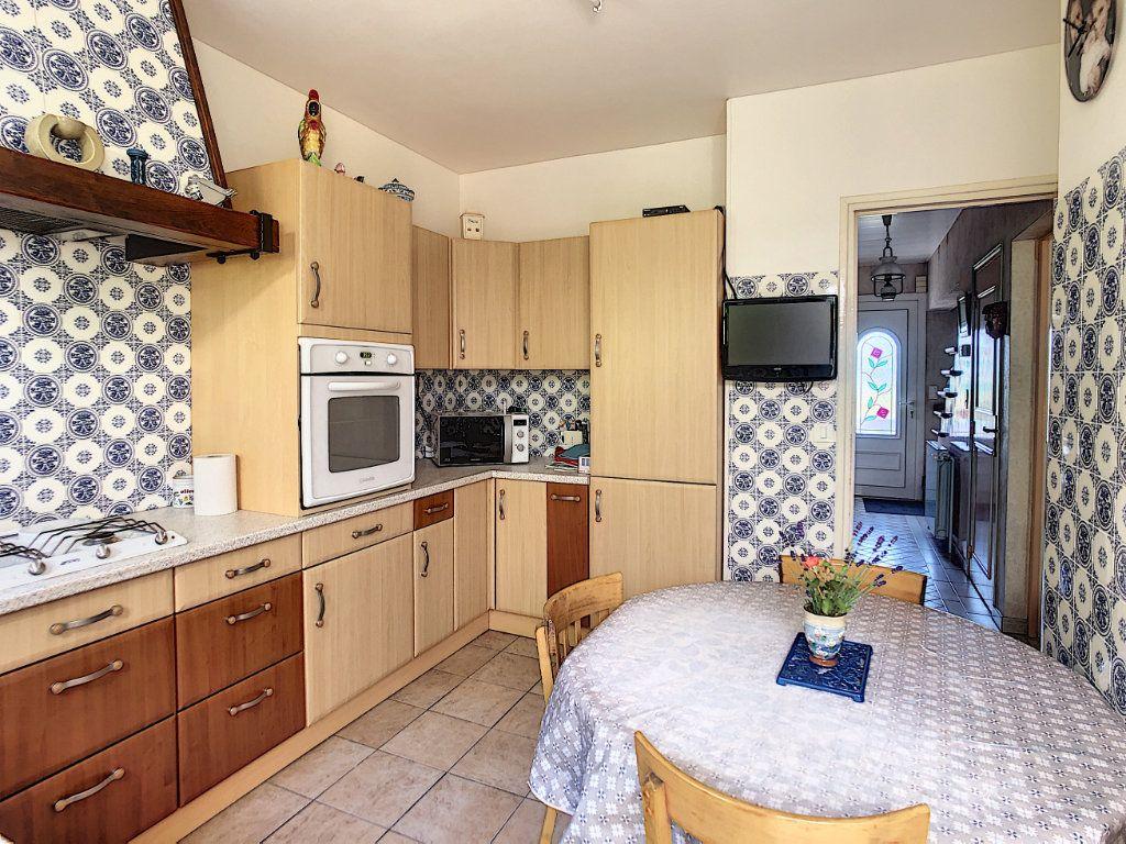 Maison à vendre 6 125m2 à Gilocourt vignette-3