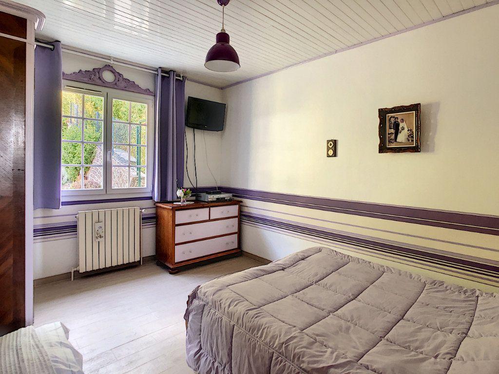 Maison à vendre 6 125m2 à Gilocourt vignette-5