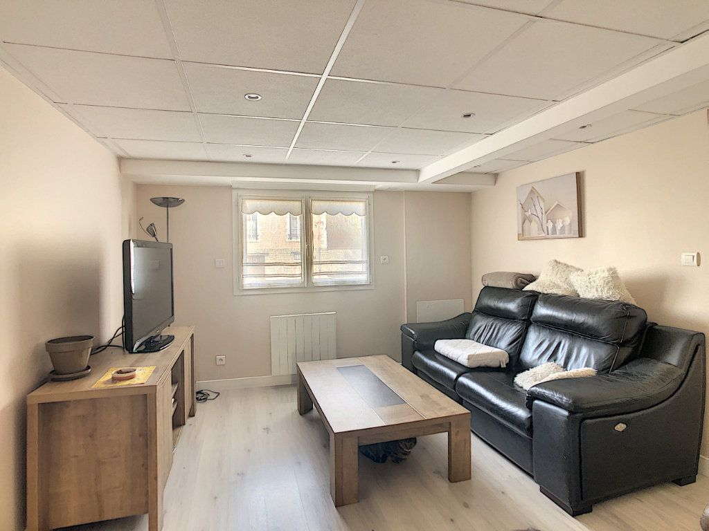 Maison à vendre 7 227m2 à Crépy-en-Valois vignette-2