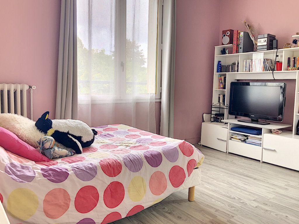 Maison à vendre 7 227m2 à Crépy-en-Valois vignette-6