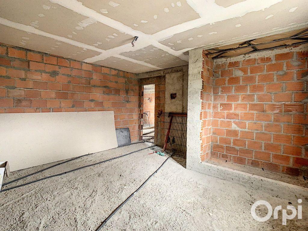 Maison à vendre 6 180m2 à Russy-Bémont vignette-3