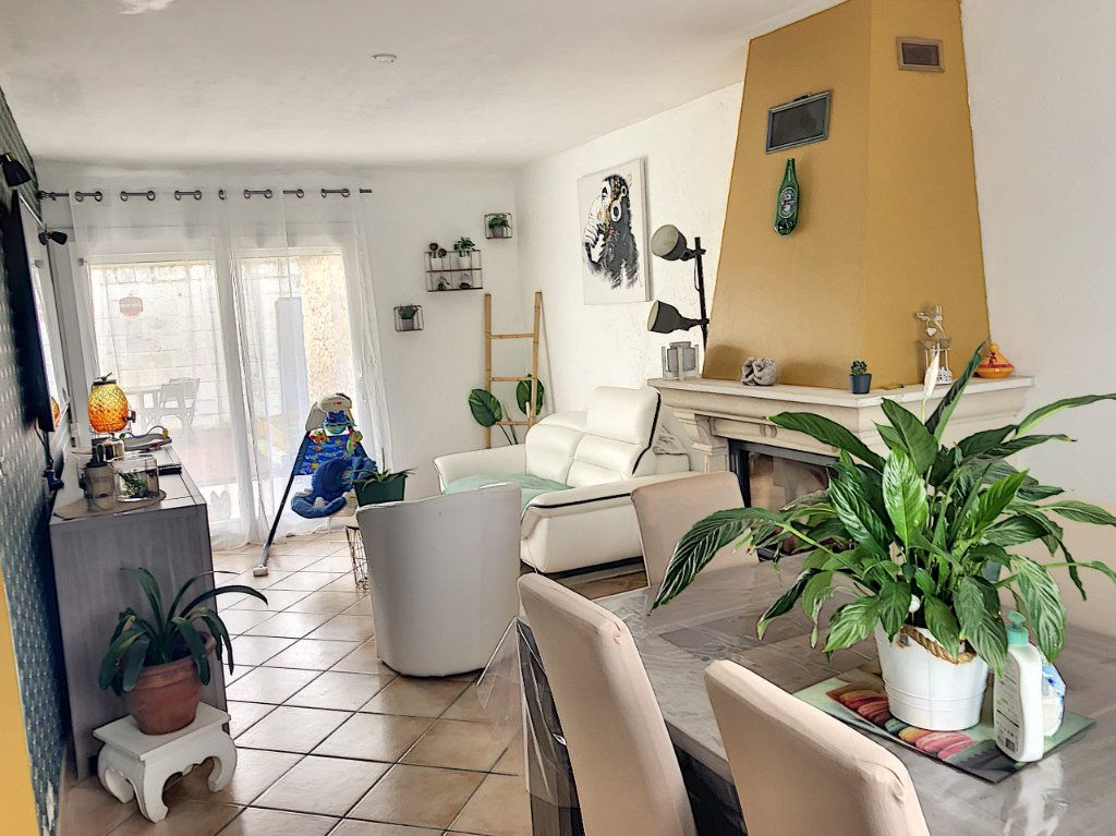 Maison à vendre 4 90m2 à Péroy-les-Gombries vignette-3