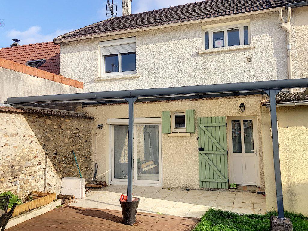 Maison à vendre 4 90m2 à Péroy-les-Gombries vignette-6
