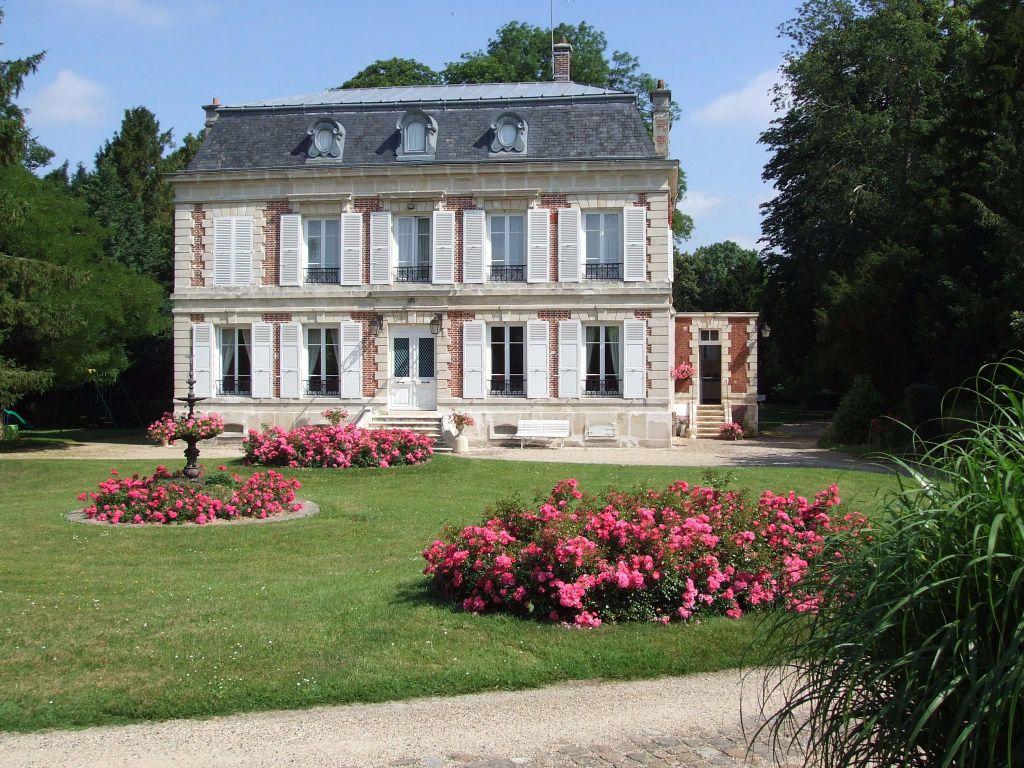 Maison à vendre 12 390m2 à Crépy-en-Valois vignette-1