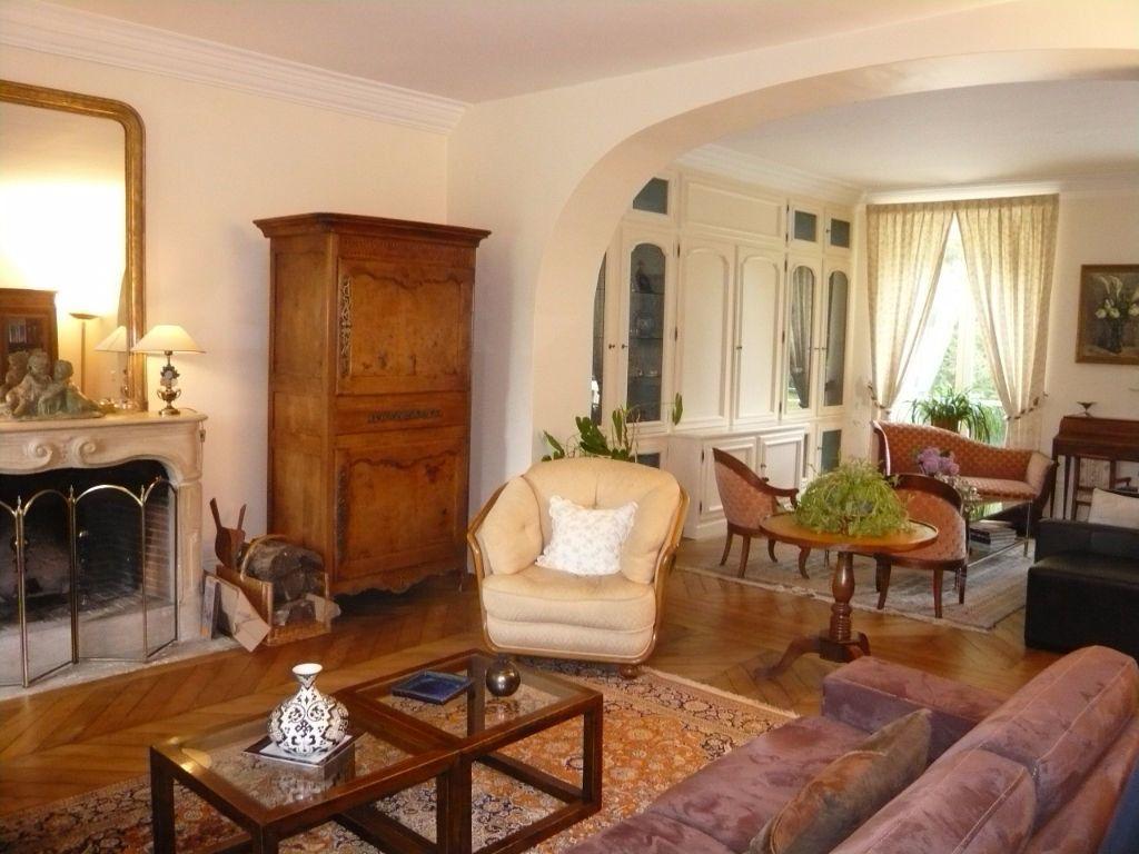 Maison à vendre 12 390m2 à Crépy-en-Valois vignette-2