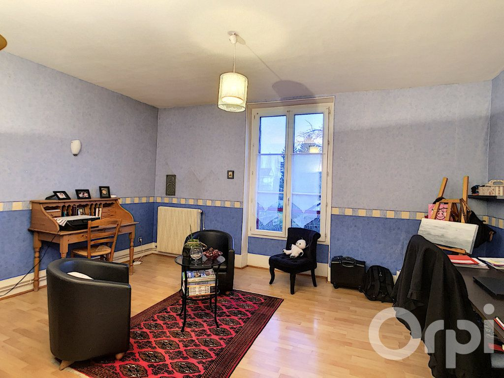 Appartement à vendre 5 106m2 à Crépy-en-Valois vignette-2