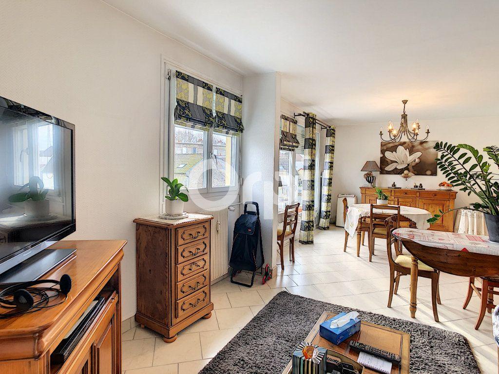 Appartement à vendre 3 62.23m2 à Crépy-en-Valois vignette-1