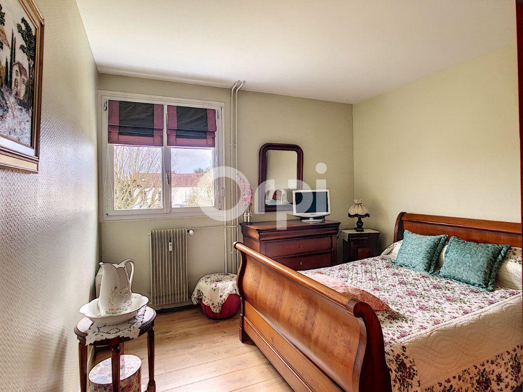 Appartement à vendre 3 62.23m2 à Crépy-en-Valois vignette-4
