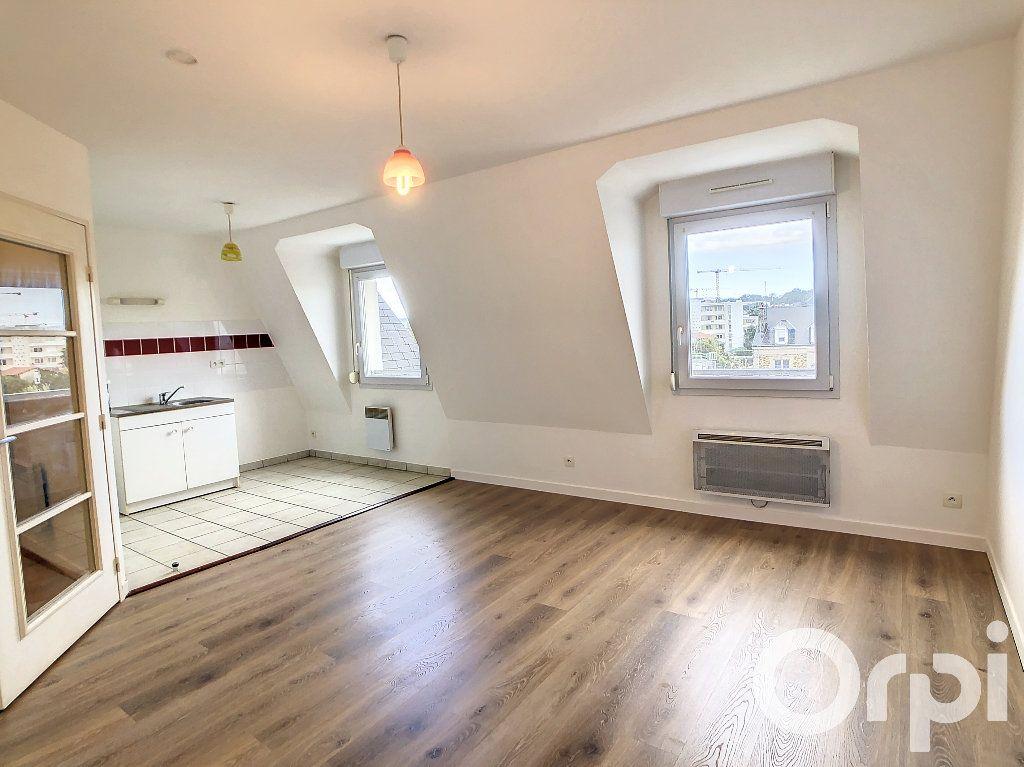 Appartement à louer 1 30.5m2 à Villers-Cotterêts vignette-1