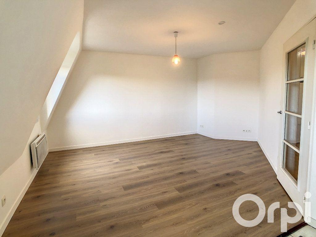 Appartement à louer 1 30.5m2 à Villers-Cotterêts vignette-3