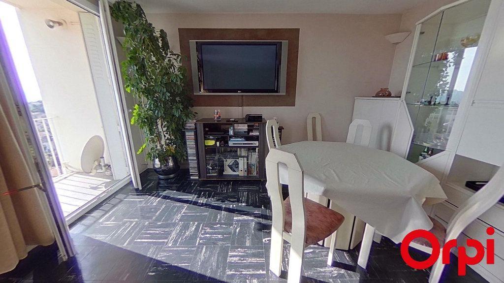 Appartement à vendre 4 76.18m2 à Marseille 12 vignette-2