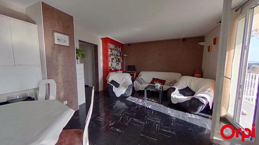 Appartement à vendre 4 76.18m2 à Marseille 12 vignette-3