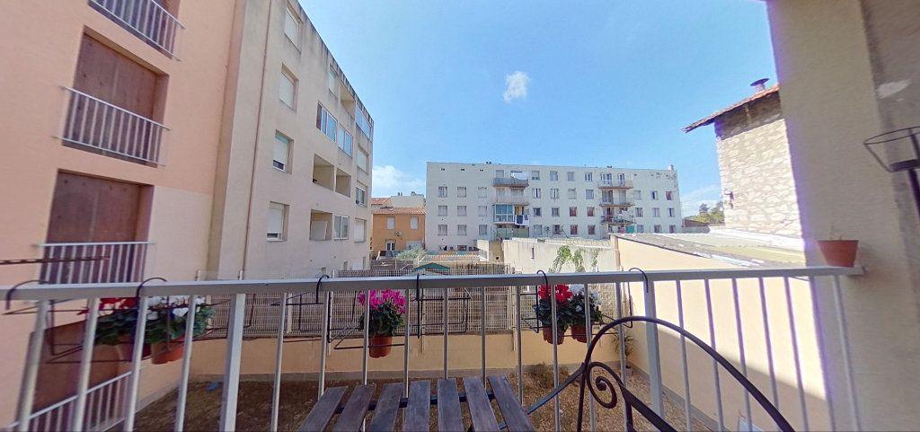 Appartement à vendre 4 76m2 à Marseille 10 vignette-2