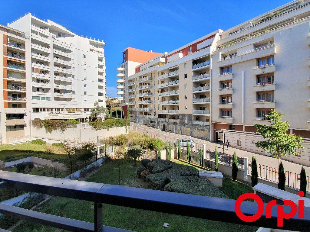 Appartement à vendre 2 41m2 à Marseille 8 vignette-1