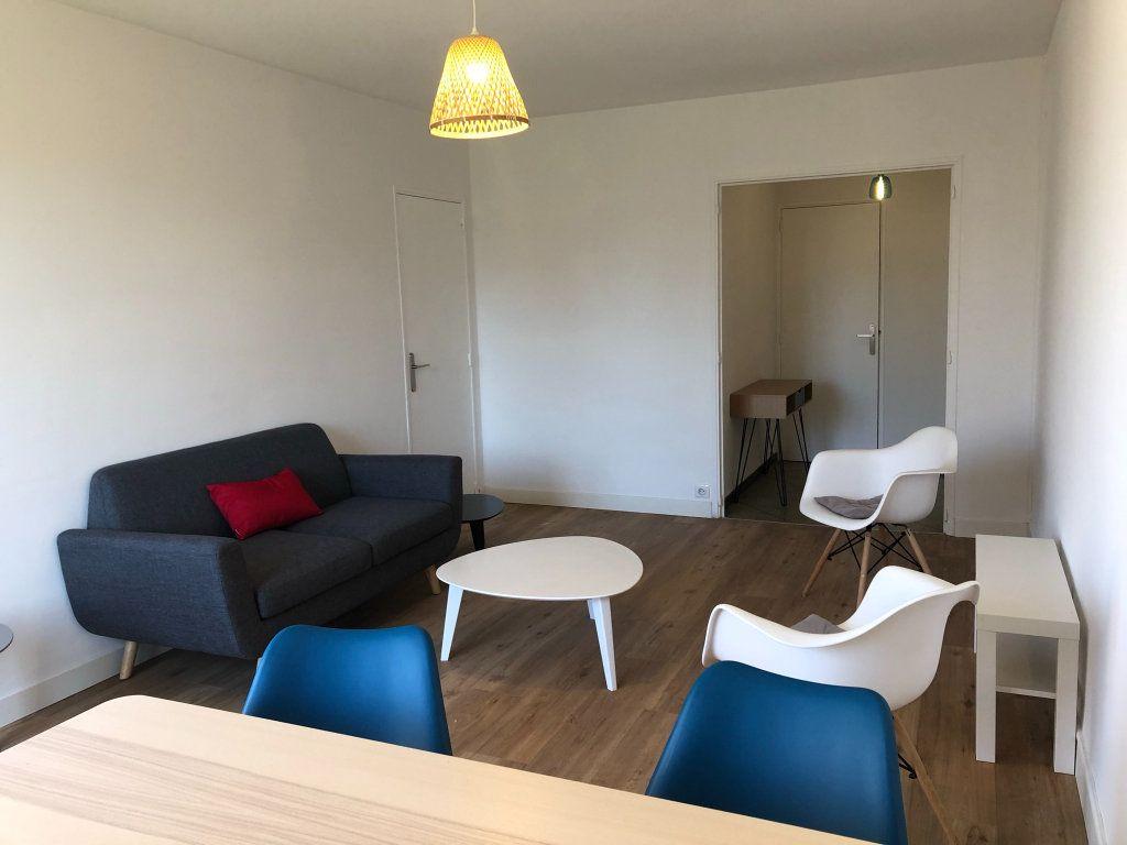 Appartement à louer 3 61.45m2 à Marseille 10 vignette-4