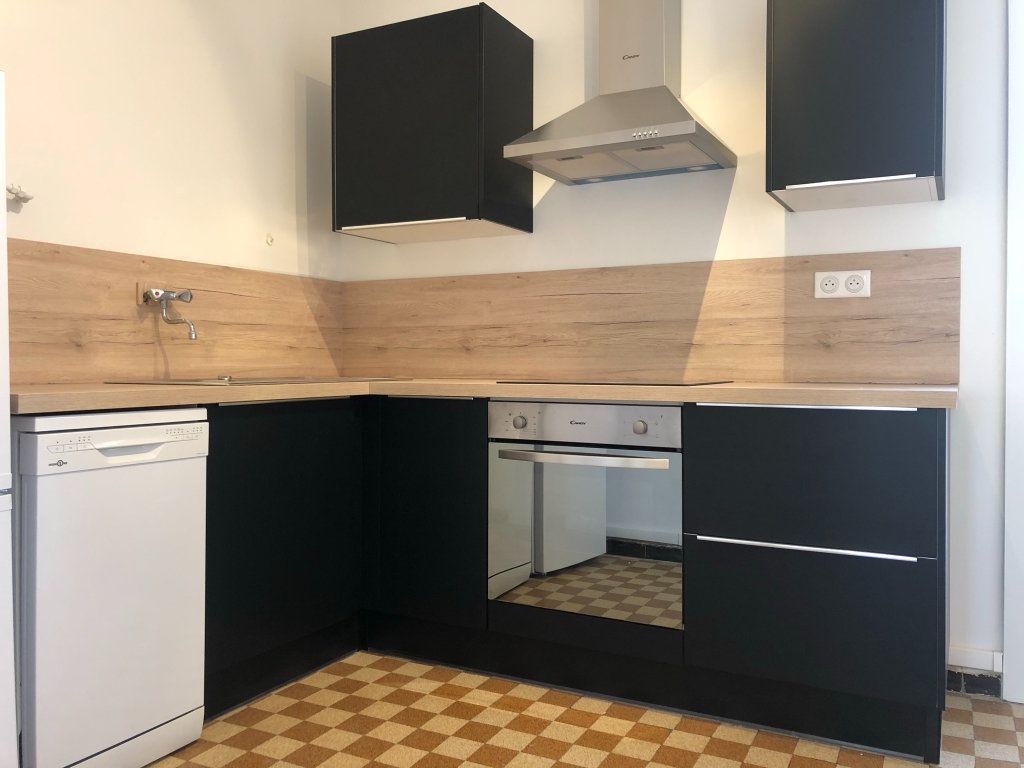 Appartement à louer 3 61.45m2 à Marseille 10 vignette-5