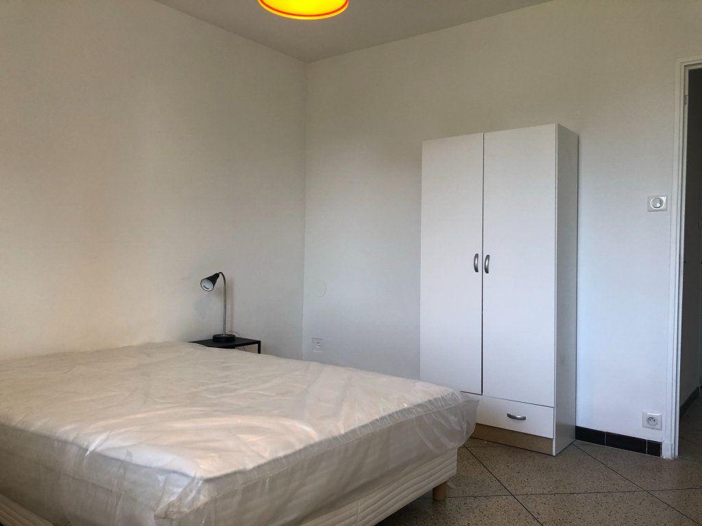 Appartement à louer 3 61.45m2 à Marseille 10 vignette-7
