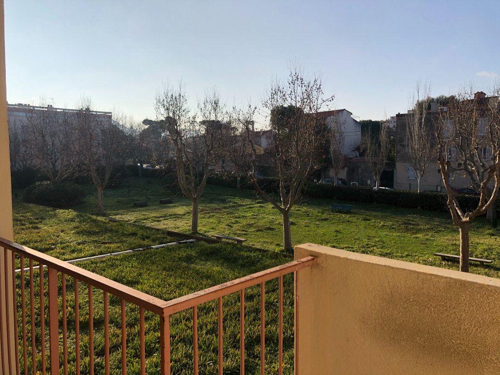 Appartement à louer 3 61.45m2 à Marseille 10 vignette-13