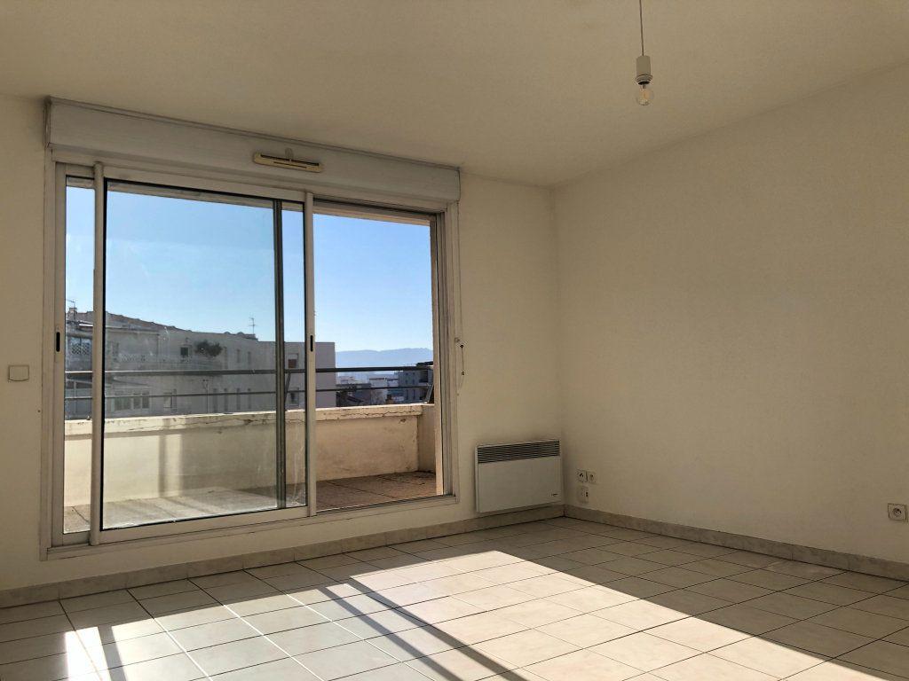 Appartement à louer 2 48.73m2 à Marseille 8 vignette-2