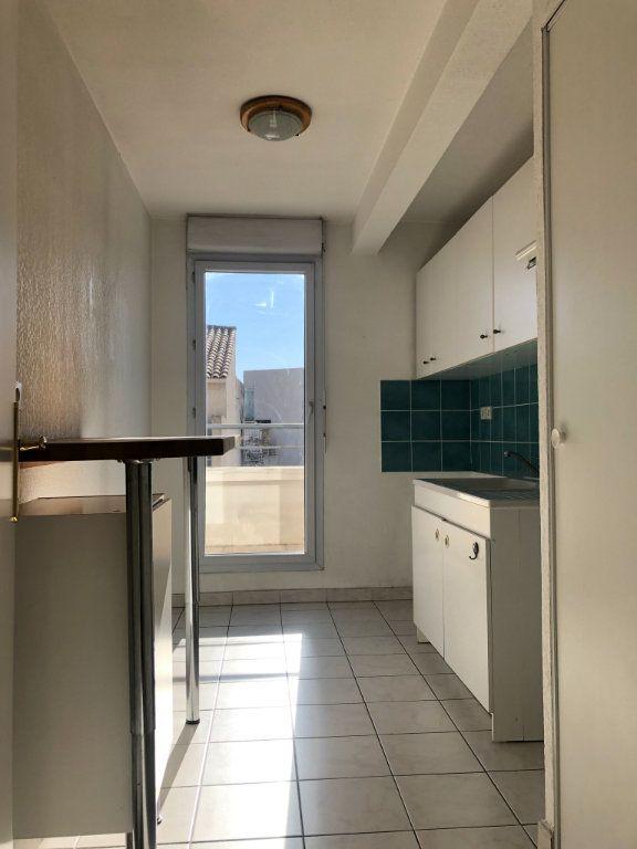 Appartement à louer 2 48.73m2 à Marseille 8 vignette-3