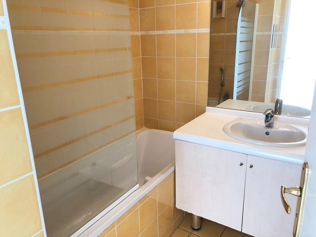 Appartement à louer 2 48.73m2 à Marseille 8 vignette-6