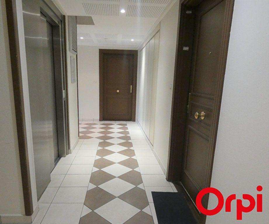 Appartement à vendre 2 37m2 à Marseille 9 vignette-7