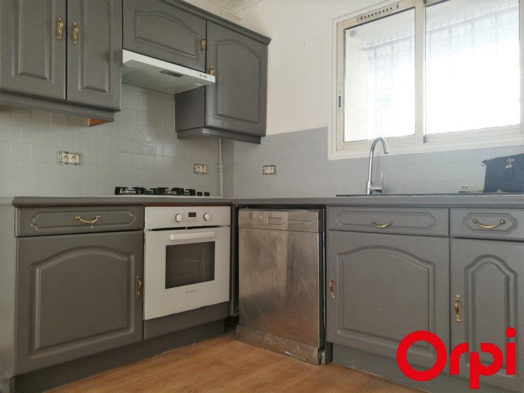 Appartement à vendre 2 41m2 à Marseille 5 vignette-3