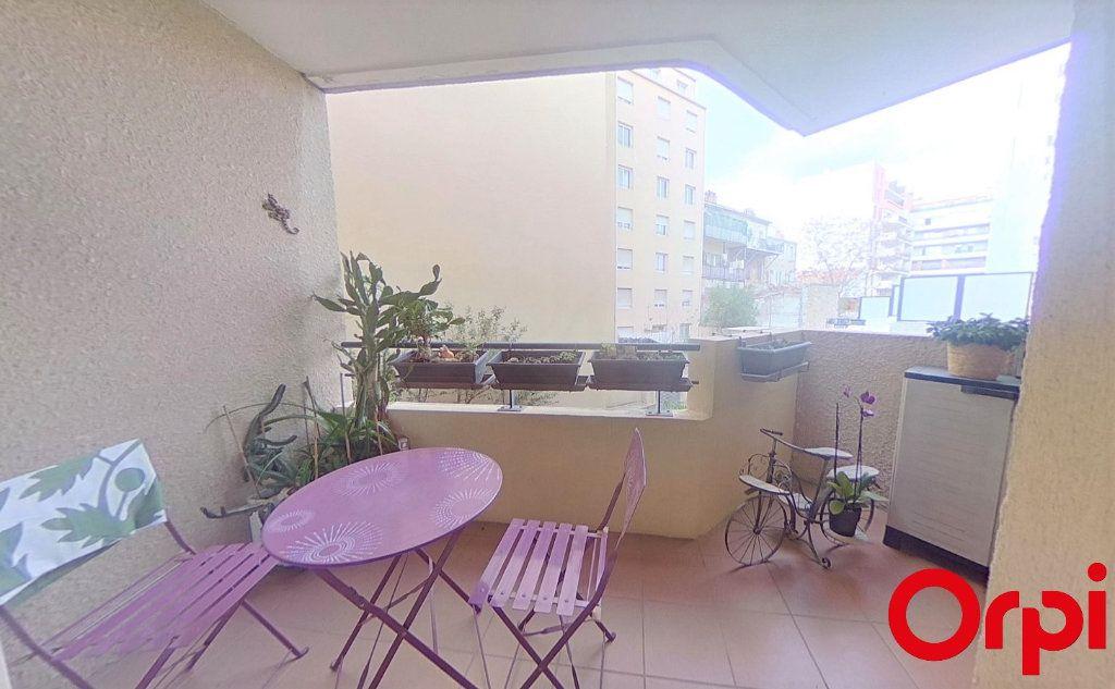 Appartement à vendre 3 56m2 à Marseille 8 vignette-2