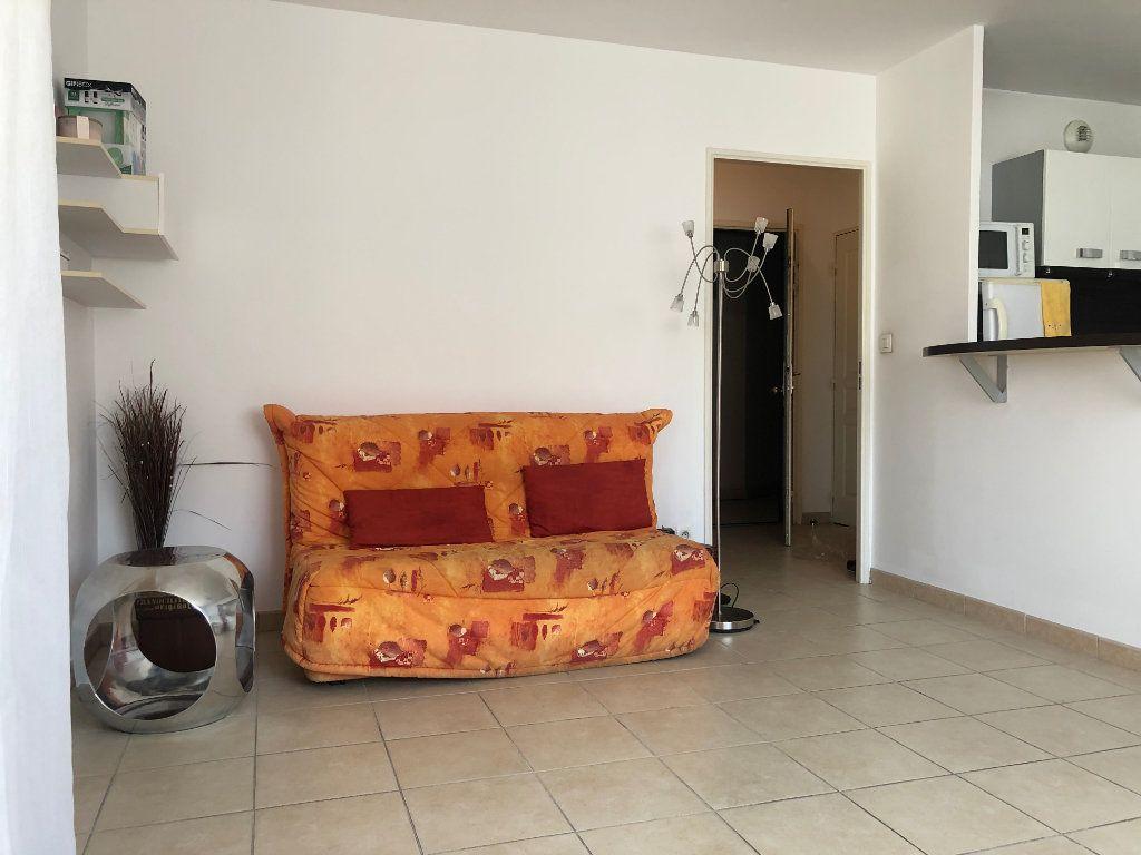 Appartement à louer 2 45m2 à Marseille 8 vignette-3