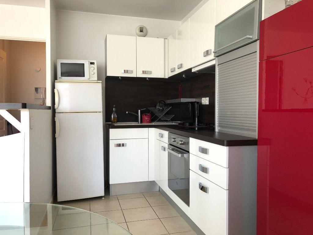 Appartement à louer 2 45m2 à Marseille 8 vignette-5