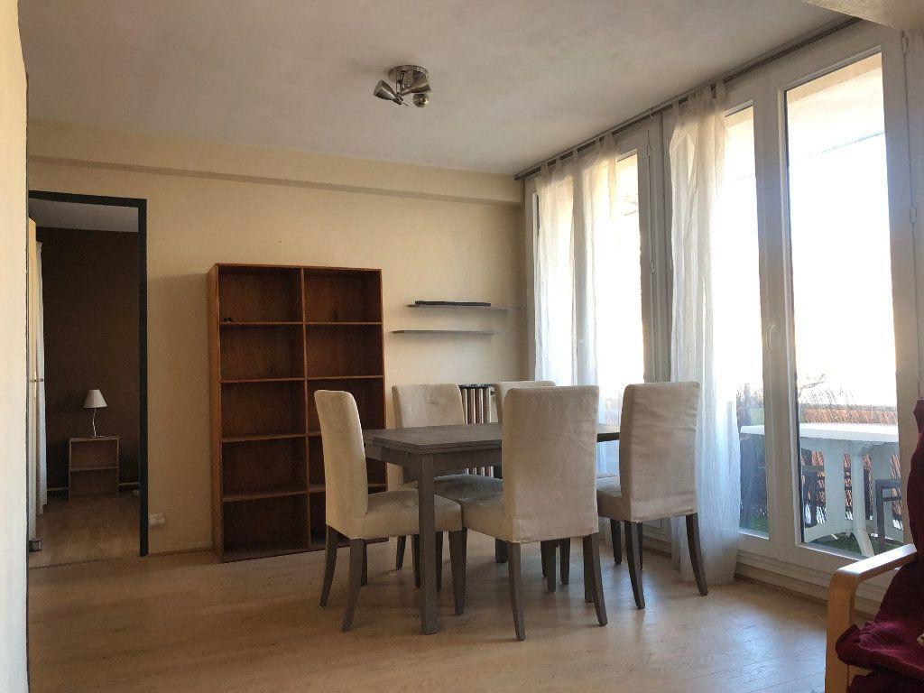 Appartement à louer 3 58m2 à Marseille 8 vignette-2