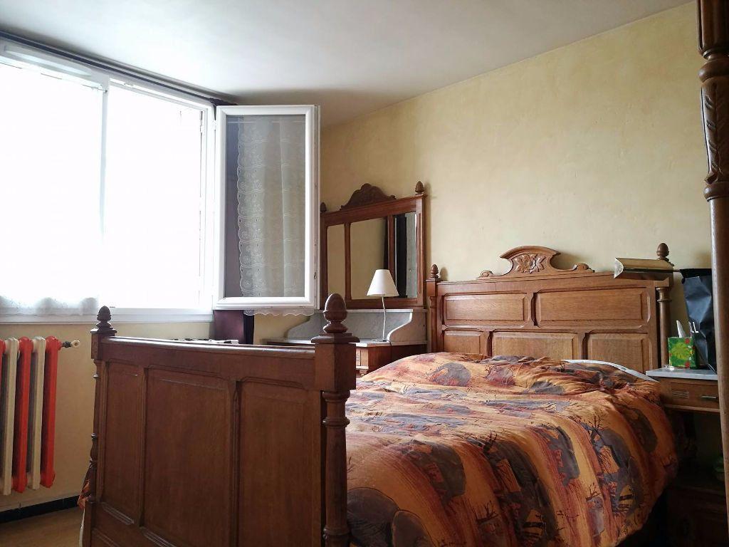 Appartement à louer 3 58m2 à Marseille 8 vignette-6
