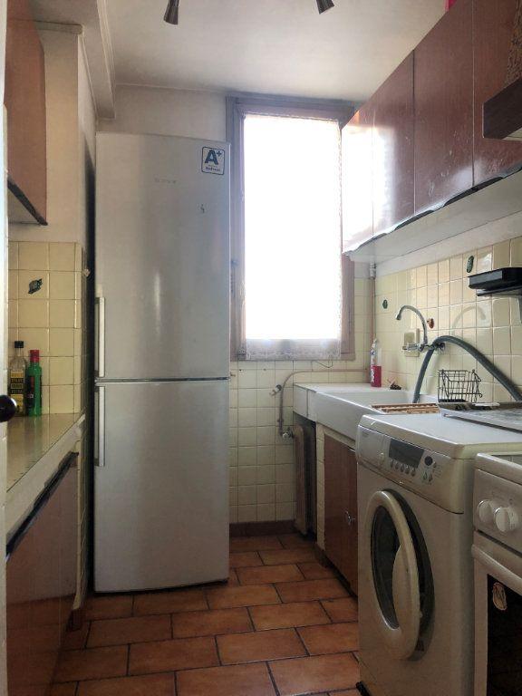 Appartement à louer 3 58m2 à Marseille 8 vignette-7